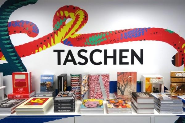 Pop-up_Store_Marais_Taschen